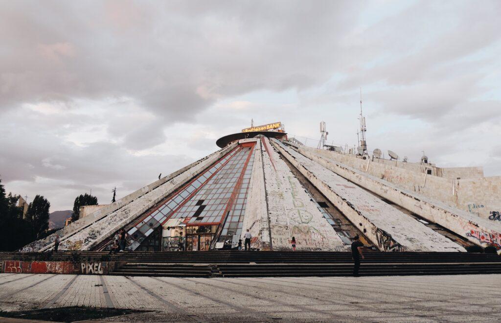 Piramide Tirana