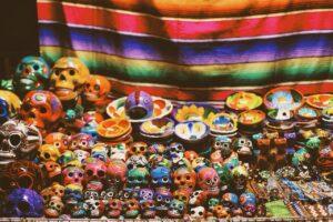 Imagen de las artesanías que puedes comprar en un tianguis tradicional