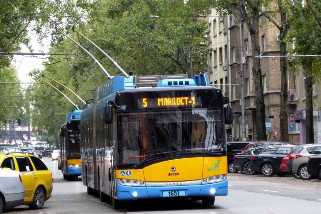Un trolebús en el centro de Sofía, Fuente: 7DniBulgaria.Bg