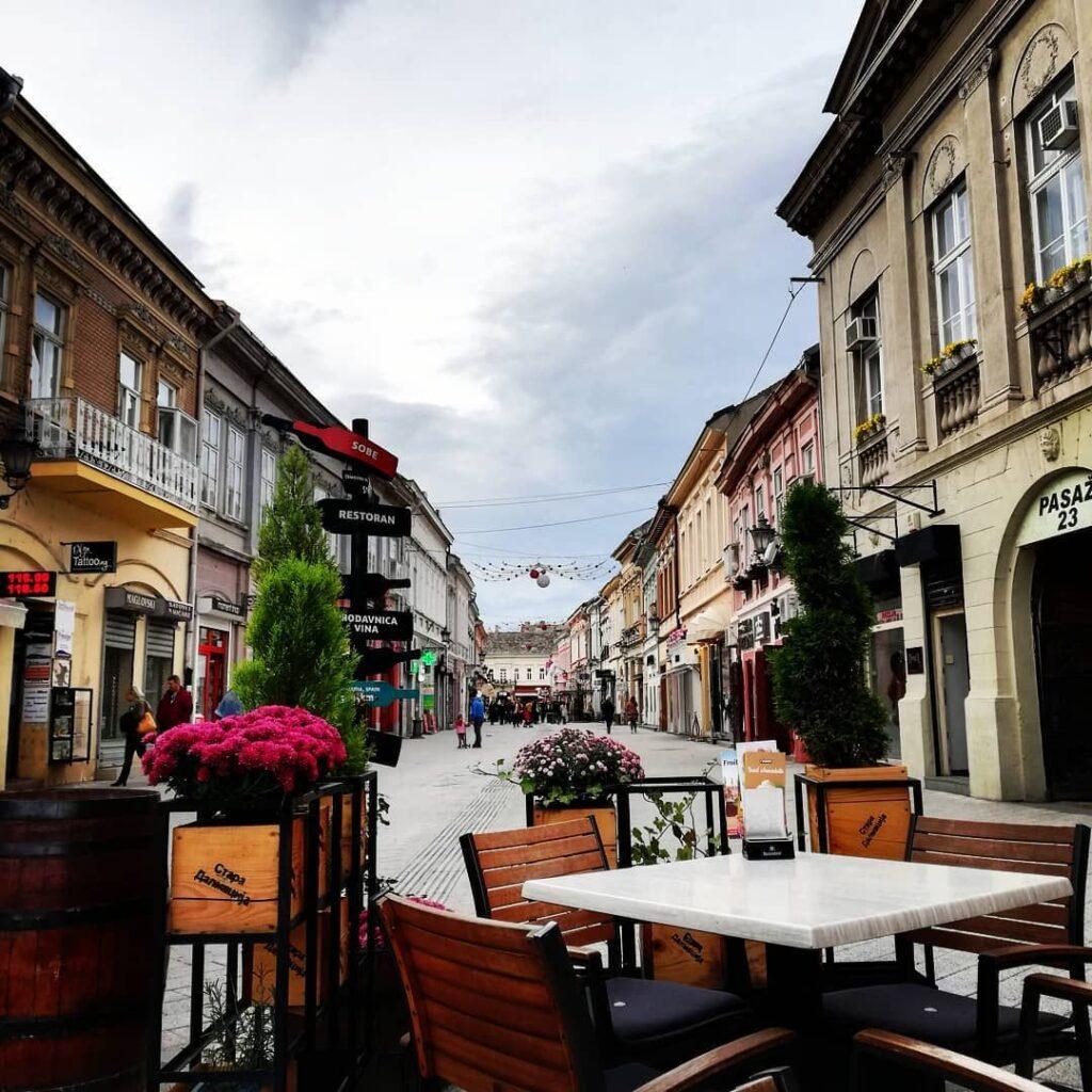 La calle Dunavska, la principal calle peatonal de Novi Sad,  Fuente: @djurovic.nik87, instagram