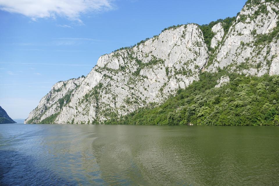 El Danubio cruzando Serbia, Fuente: falco, Pixabay