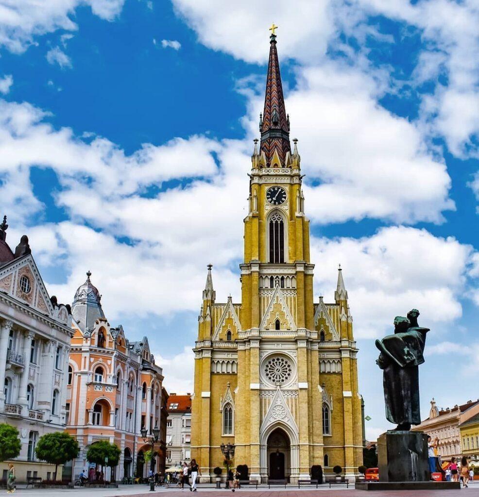 La Catedral Católica, Fuente: @novisad_novisad, Instagram