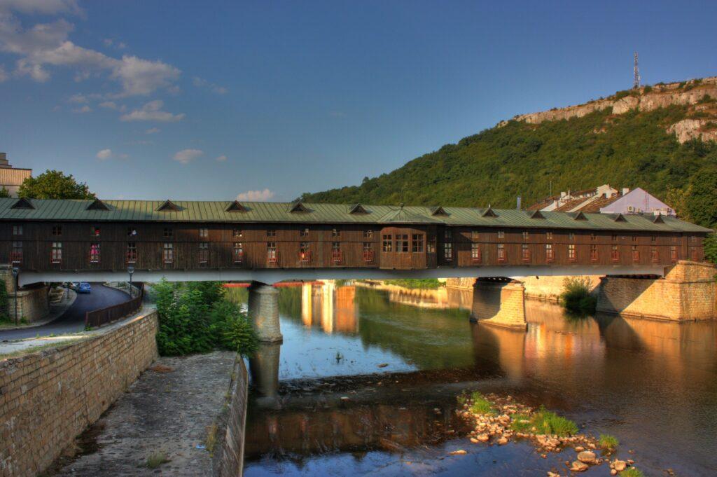 El Puente cubierto de Lovech, Fuente: Wikipedia